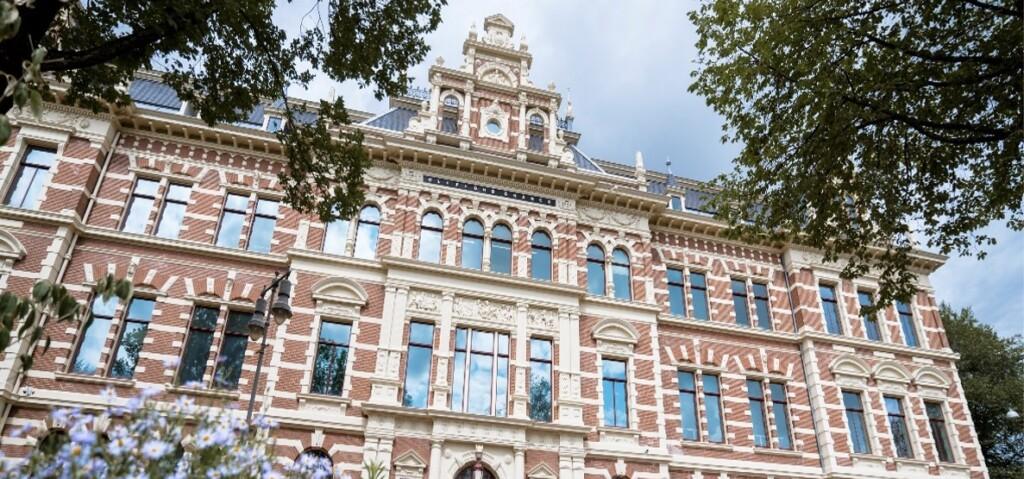 Clifford Chance & Dev_ real estate droogbak Amsterdam